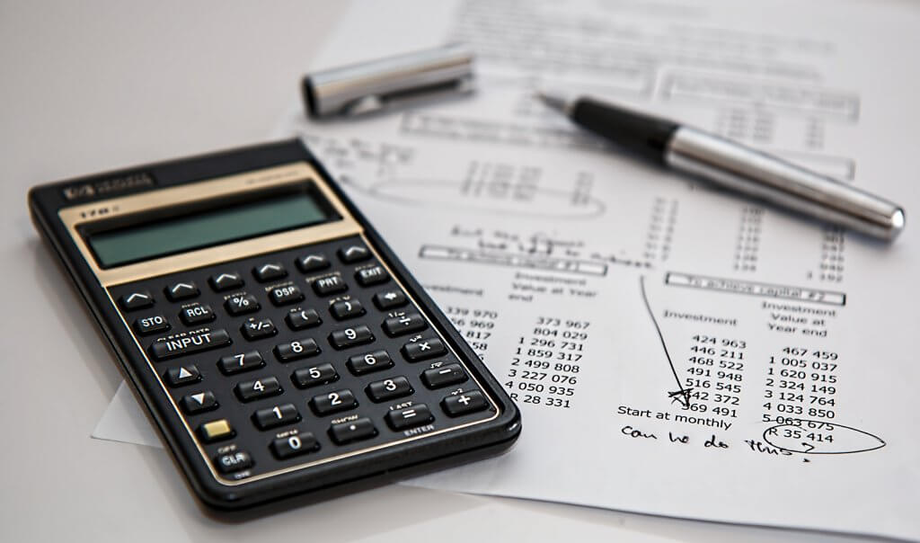plan a family year out budget